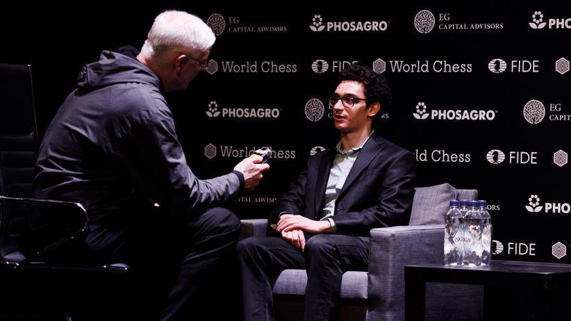 Der Sieger des Kandidatenturniers in Berlin, Fabiano Caruana, im Interview mit unserem Reporter Ulrich Stock.