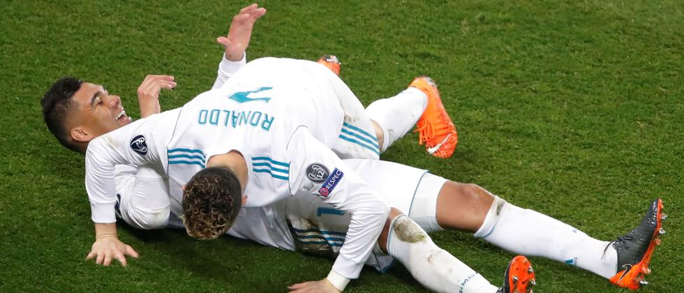 Warum nur? Casemiro und Cristiano Ronaldo (auf ihm) freuen sich.