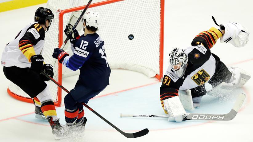 Eishockey-WM: Alex DeBrincat erzielt das 3:0.