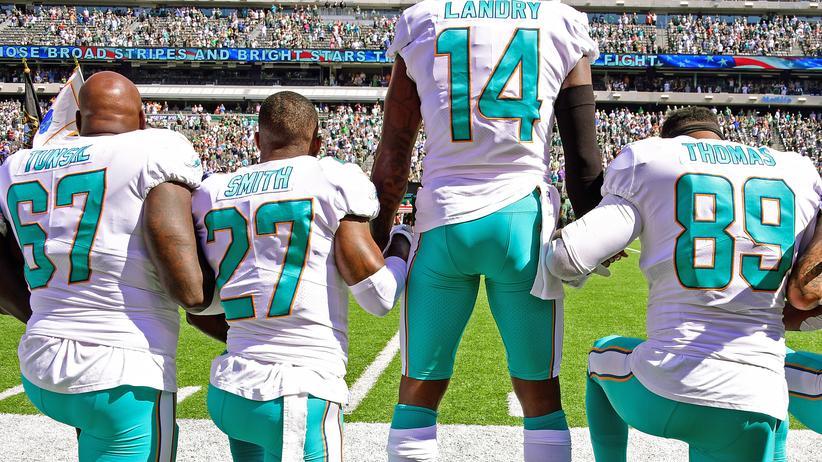 National Football League: Wer kniet, wird bestraft