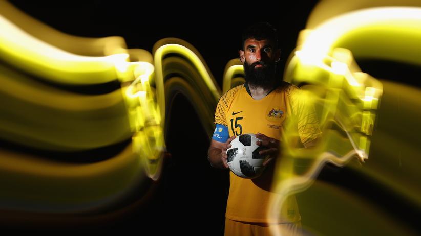 Nein, Sie haben keine Drogen genommen, Australiens Fußballer haben sich wirklich so fotografieren lassen.