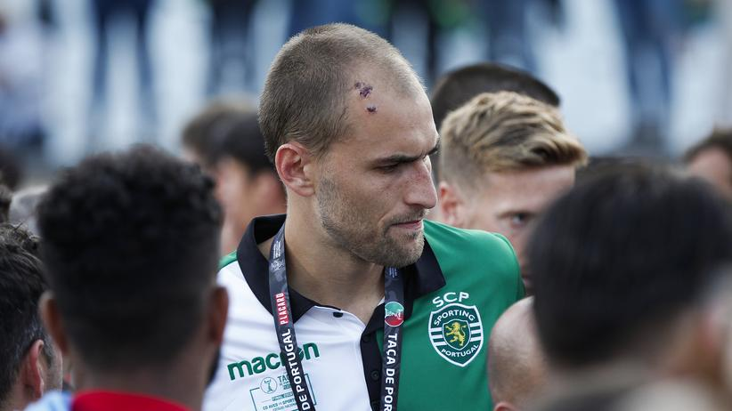 Hooligan-Attacken: Fußballprofis verlassen Sporting Lissabon wegen Fanangriffen