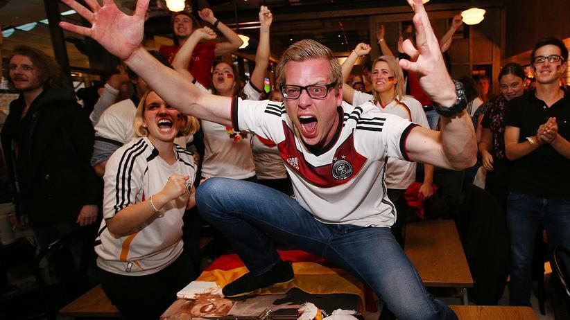 Fußballfans: Schlaaaand!