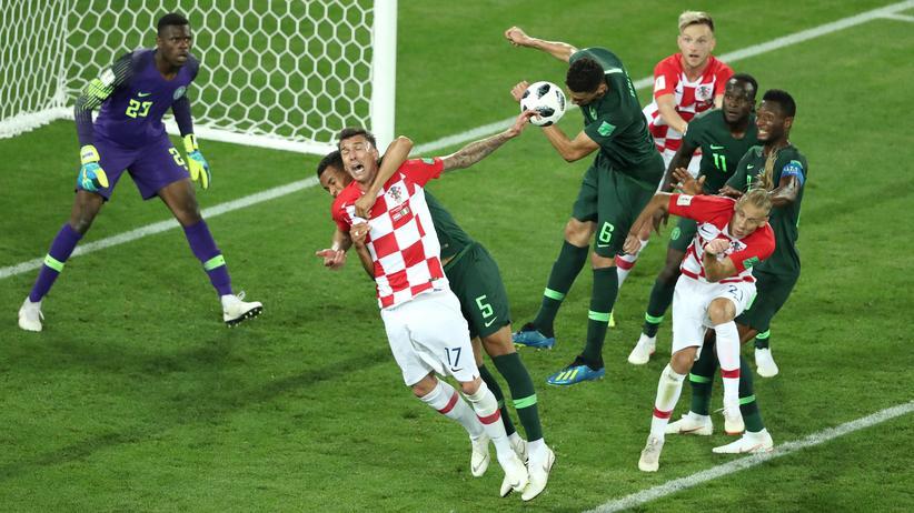 Kroatien – Nigeria: Ein Huhn hätte dem Spiel sicher gutgetan