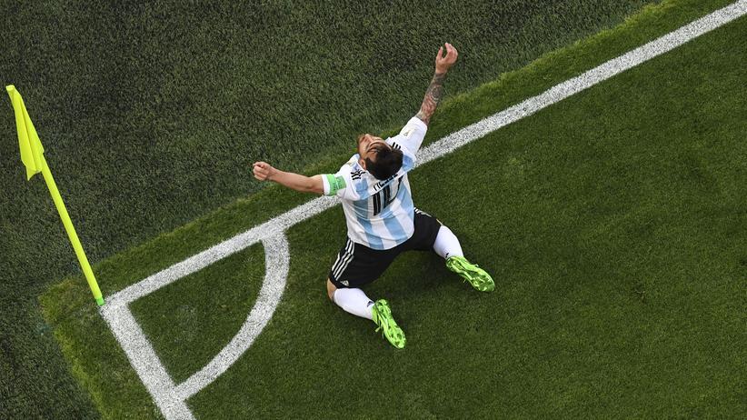 Fußball-WM: Argentinien rettet sich ins Achtelfinale