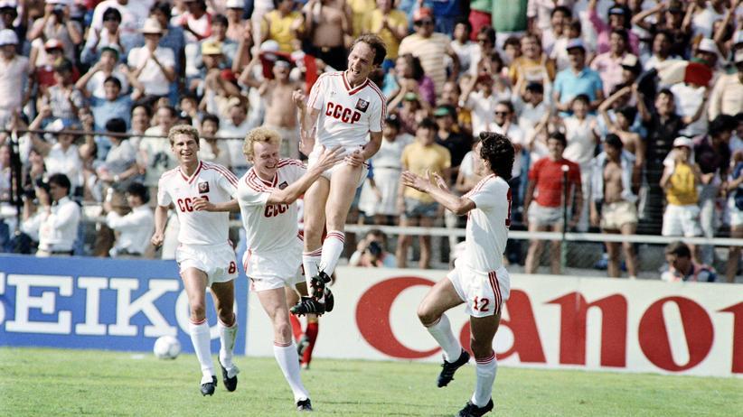 Fußball in der Sowjetunion: Heute führen sie Krieg