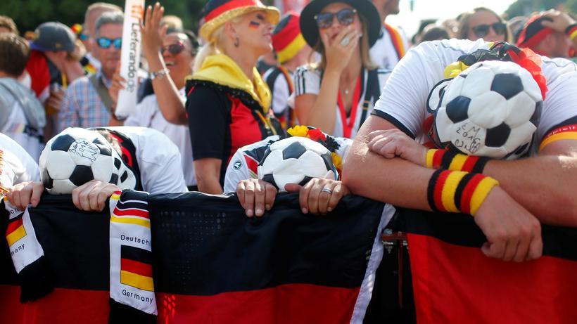 Pressestimmen Zur Deutschland Mexiko Enttauschte Deutsche Fans Beim Mexiko Spiel