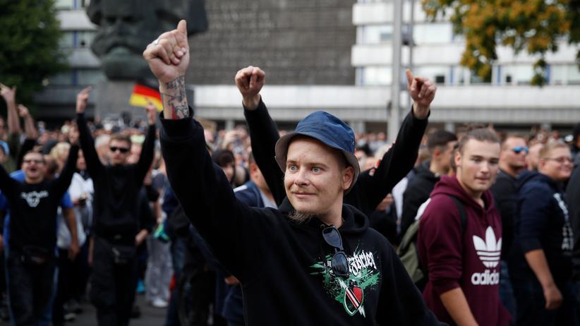 """Chemnitz: """"Hooligans verstehen sich als Vollstrecker des Volkswillens"""""""