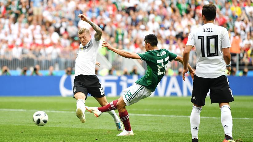 Nationalmannschaft: Toni Kroos kritisiert Mesut Özil