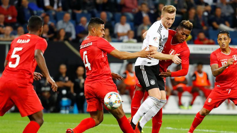Länderspiel Deutschland Peru: Aus dem Gröbsten raus