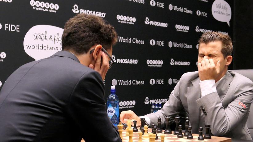 """Schach-WM: Ein """"Ooh!"""" weht durch den Saal"""