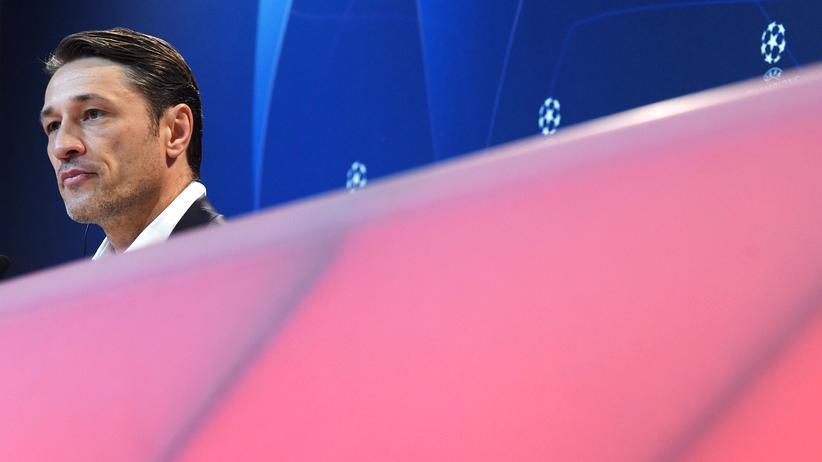 Niko Kovač: Sein letzter Auftritt? Niko Kovač auf der Pressekonferenz vor dem Champions-League-Spiel gegen Benfica Lissabon.