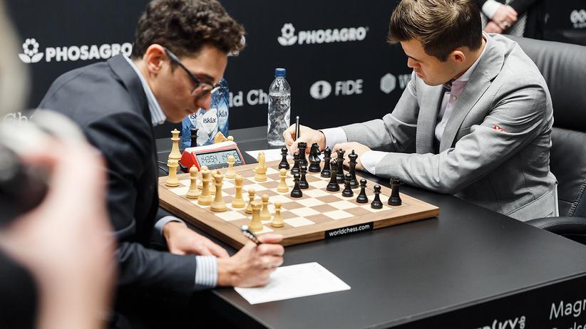Schach-WM 2018: Carlsen und Caruana trennen sich unentschieden