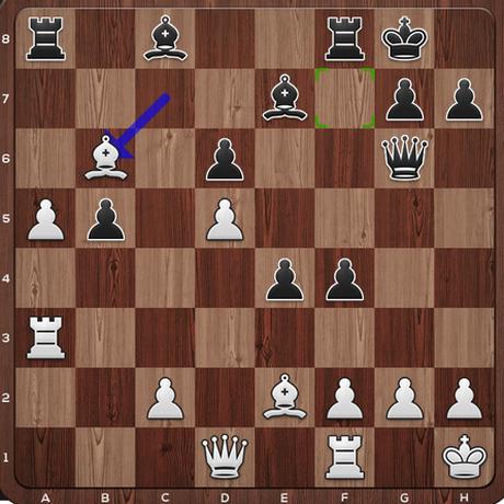 Schach-WM 2018: Stellung nach dem 23. Zug von Weiß: Caruana hat einen Freibauern auf der fünften Reihe. Carlsens Bauern sind bereit zum Angriff.
