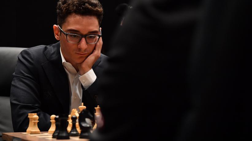 Schach-WM: Fabiano Caruana während der ersten WM-Partie gegen den amtierenden Weltmeister Magnus Carlsen