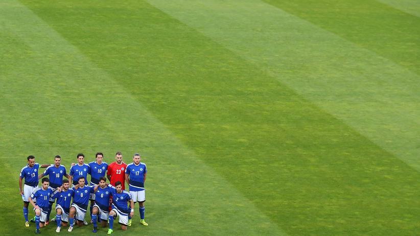 Fußball in San Marino: Die Nationalelf San Marinos beim WM-Quali-Spiel in Deutschland im Juni 2017