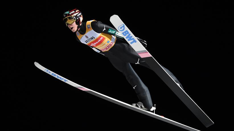 Skispringen: Ryōyū Kobayashi gewinnt Auftakt der Vierschanzentournee