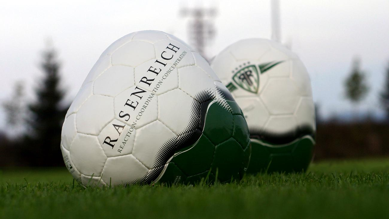 Fußball: Wozu braucht es einen eckigen Fußball?