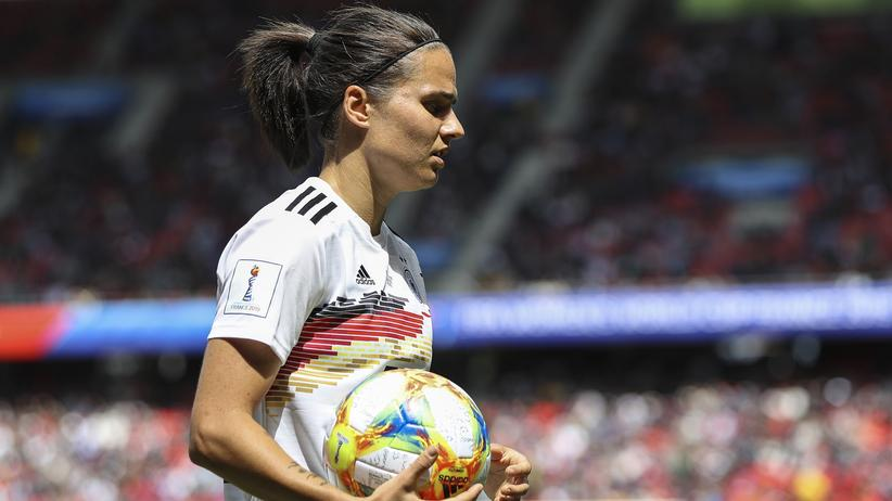 Frauenfußball-WM: Dzsenifer Marozsán beim Auftaktspiel des deutschen Teams gegen China