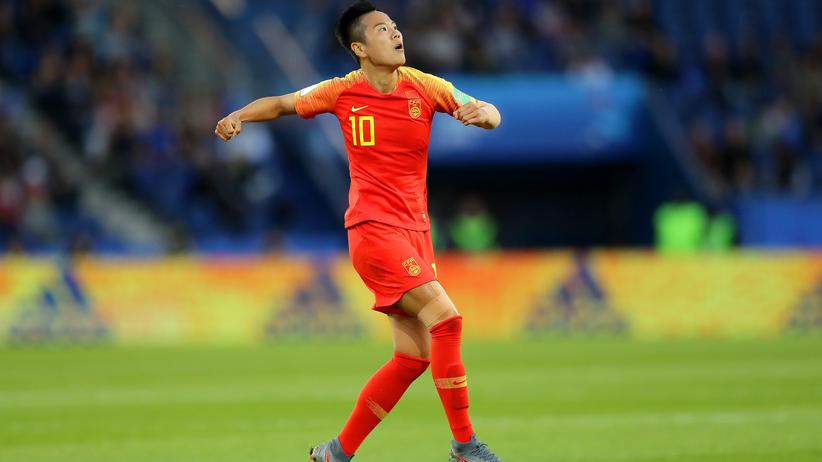 Frauenfußball-WM: Torschützin Ying Li feiert ihren Treffer, mit dem China in der 40. Minute in Führung ging.