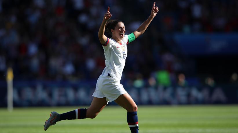 Frauenfußball-WM: Die US-Amerikanerin Carli Lloyd feiert ihren Treffer zum 1:0.