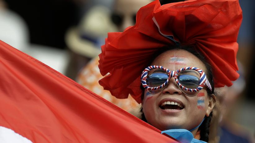 Women's World Cup: A Thai supporter is in a good mood despite the recent defeat of their team at the World Cup in France.