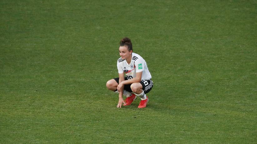 Fußball-WM der Frauen: Die Torschützin zum vorübergehenden 1:0 für Deutschland, Lina Magull, nach dem Ausscheiden