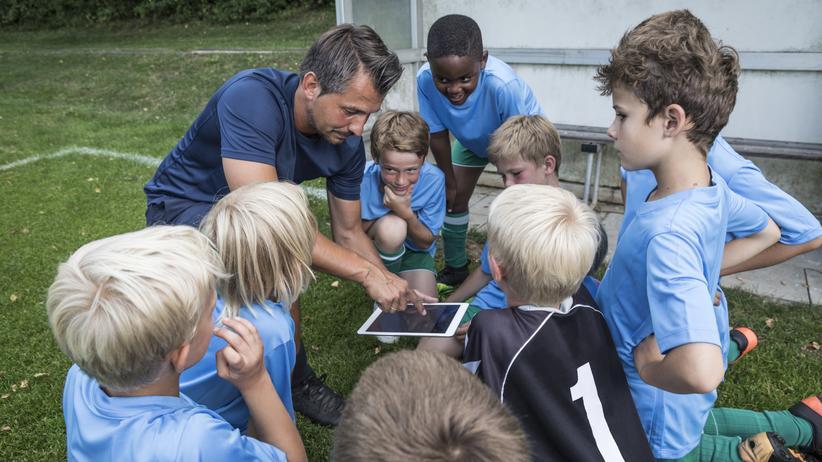 """Soziales Engagement: """"Sportvereine ermöglichen Gemeinscahften und Freundschaften über Nationen hinweg."""""""
