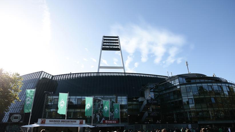 Werder Bremen und SC Paderborn: Das Bremer Weserstadion. Bei vier Spielen sollen die mutmaßlich salafistischen Ordnungskräfte hier im Einsatz gewesen sein.