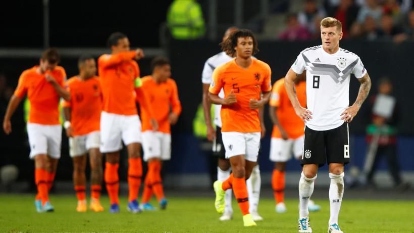 Em Qualifikation Deutschland Kassiert Erste Niederlage