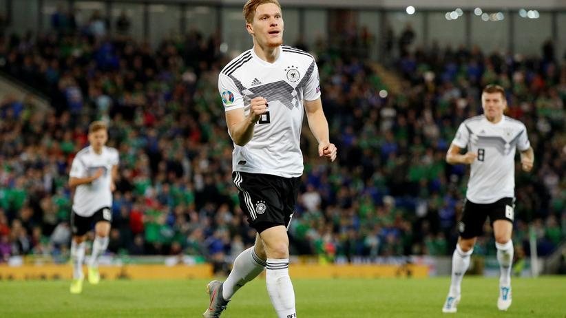 EM-Qualifikation: Torschütze Marcel Halstenberg nach dem Treffer zum 1:0
