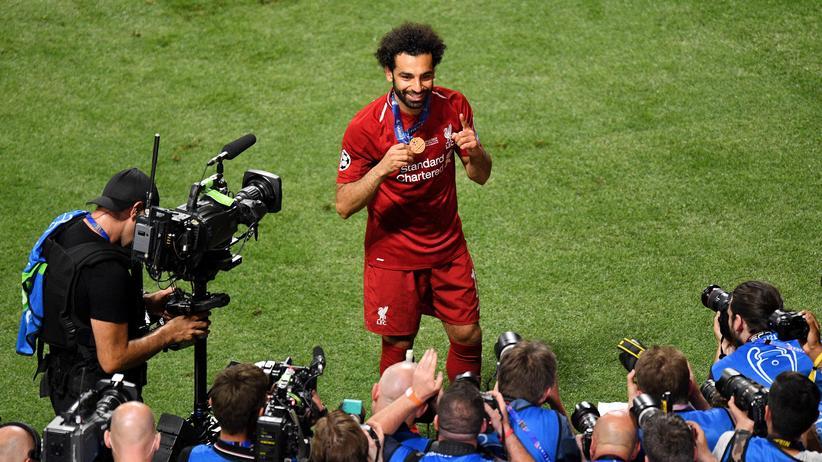 Champions League: Könnte auch im kommenden Jahr wieder auf einem Siegerfoto sein: Mo Salah vom FC Liverpool