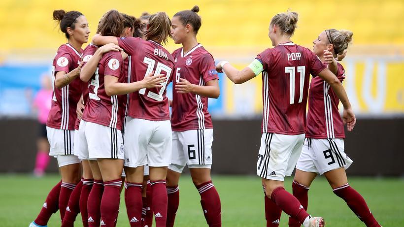 Fussball Frauen Gewinnen Zweites Em Qualifikationsspiel Mit