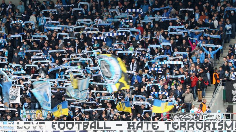 Chemnitzer FC: Fans des Chemnitzer FC bei einem Spiel gegen SV Wehen Wiesbaden