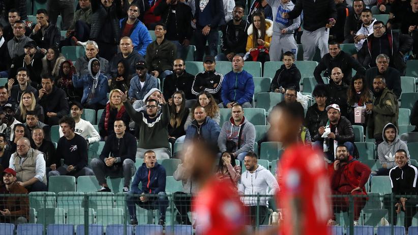 EM-Qualifikation: Bulgarische Fans beim EM-Qualifikationsspiel gegen England