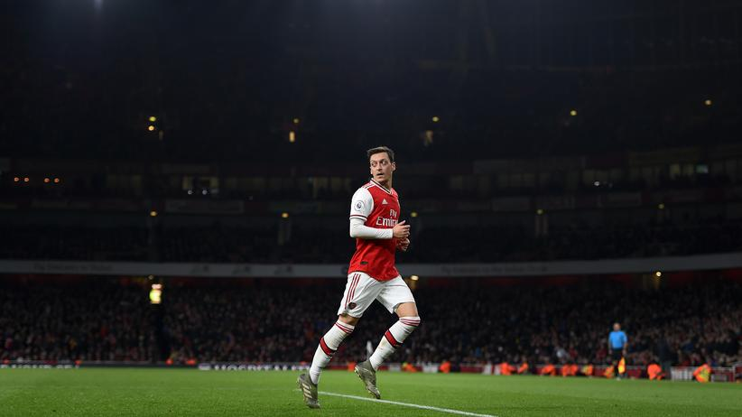 Alleingelassen: Mesut Özil