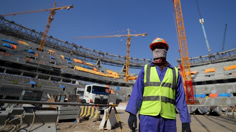 Fußball-WM 2022: Katar lockert Ausreisebestimmungen für Arbeitsmigranten