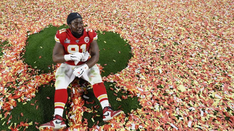 Derrick Nnadi von den Kansas City Chiefs freut sich über den Super-Bowl-Titel
