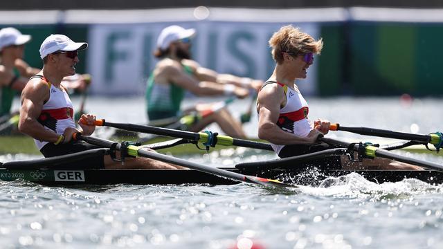 Olympische Spiele: Deutsche Ruderer holen Silber