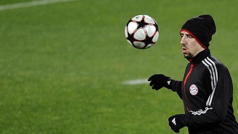 Bayern München in der Champions League: Franck Ribéry will auch künftig auf Europas größter Fußball-Bühne auftreten. Die Bayern wollen, dass er das bei ihnen tut - dafür sollten sie sich gegen Florenz durchsetzen.