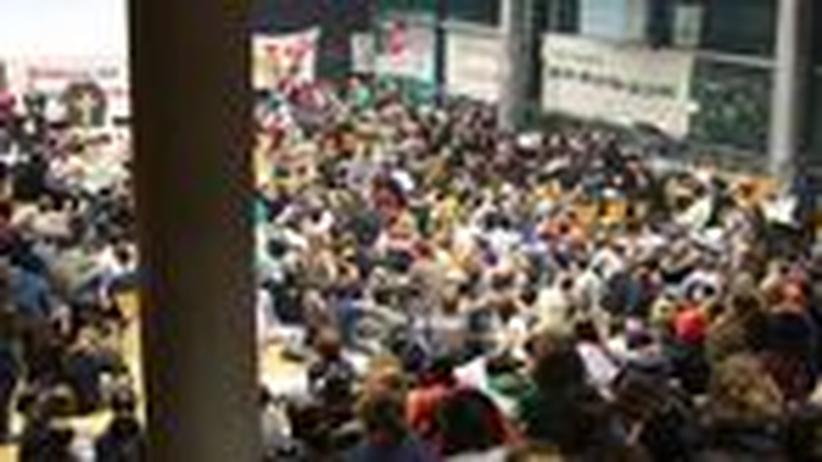 "Studentenproteste: ""Befreit die Uni!"""