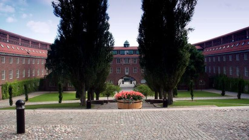 Schwedische Hochschule: Ist die schwedische Sprache bedroht? Die Königlich Technische Hochschule in Stockholm