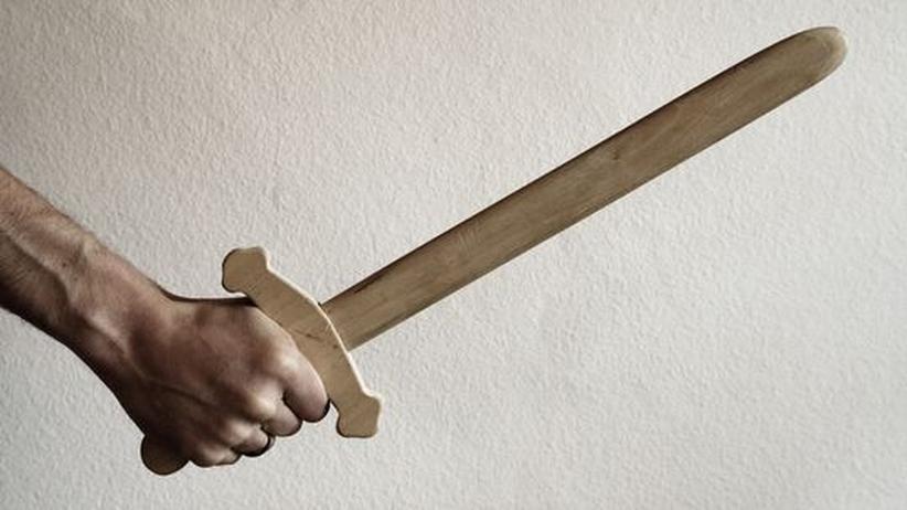Ein Schwert in der Hand