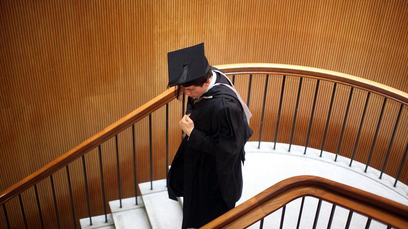 Guttenbergs Dissertation: Was ein Doktor heute noch wert ist