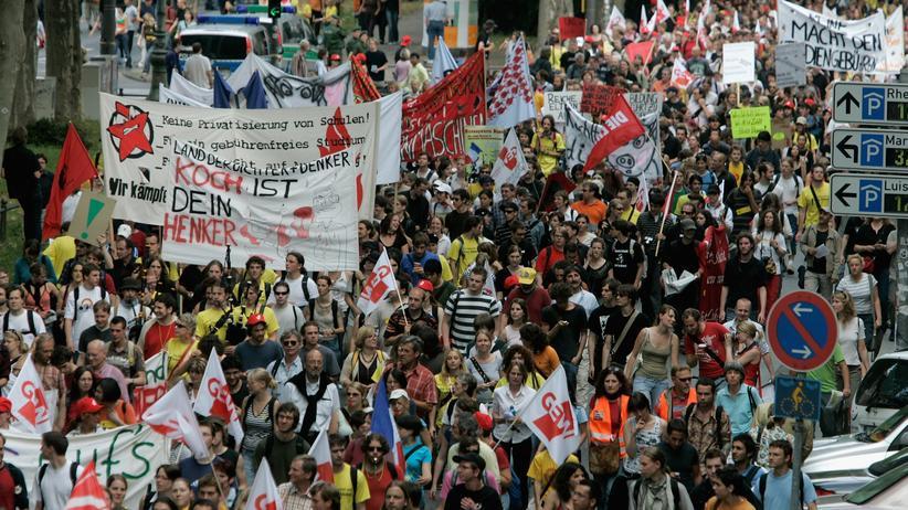 Bezahlstudium: Studenten bleiben Gegner der Gebühren