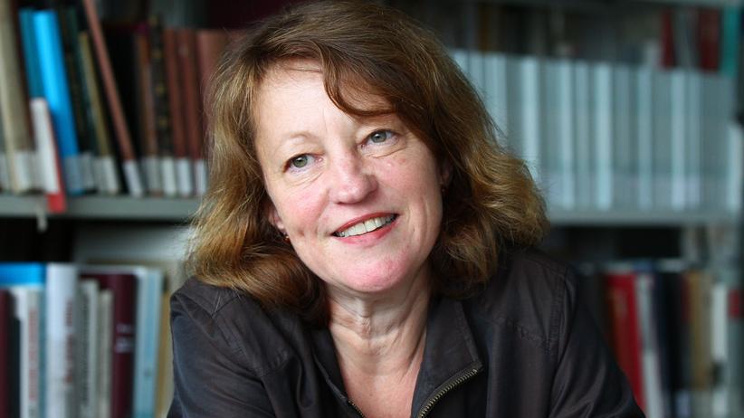 Stefanie Schüler-Springorum in ihrem Büro an der TU Berlin.