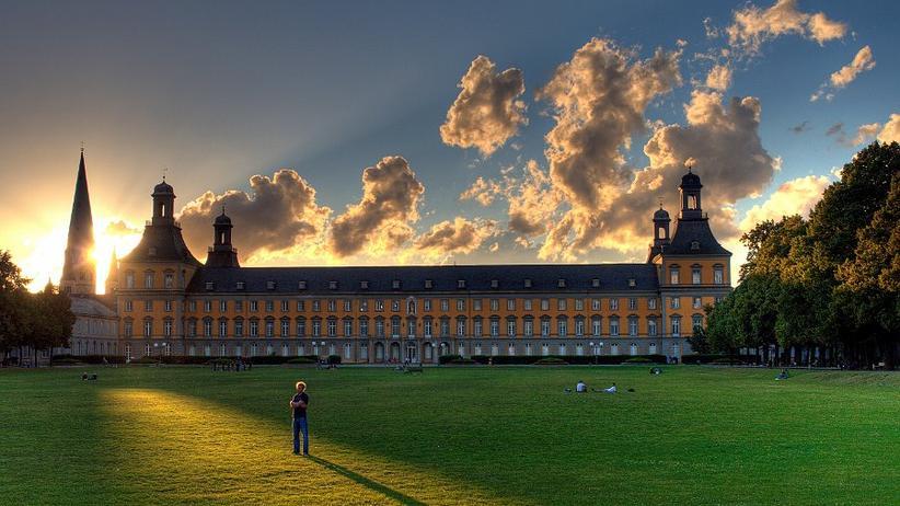 Uni Bonn: Nach der Haftentlassung ohne Doktortitel