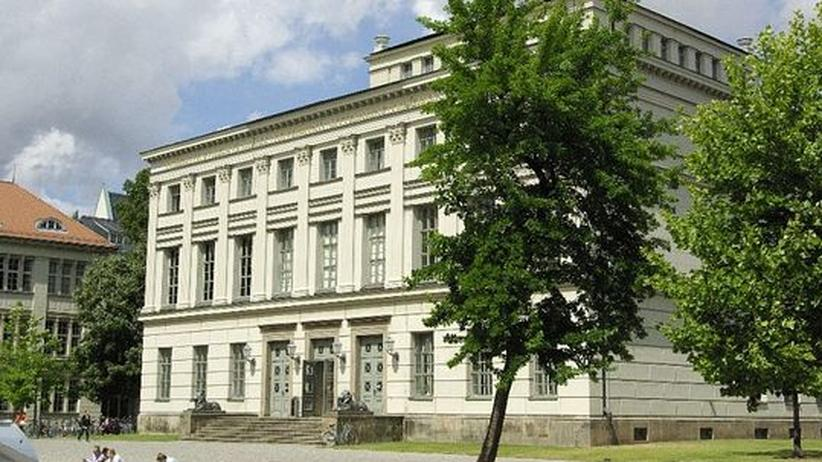 Hörsaalgebäude der Uni Halle-Wittenberg am Universitätsplatz