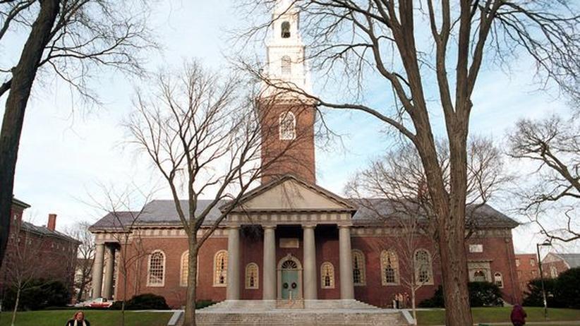Reiche Alumni: Campus der Harvard University in Cambridge, Massachusetts
