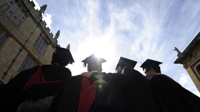 Großbritannien: Graduierte auf der akademischen Abschlussfeier in Oxford (Archiv)
